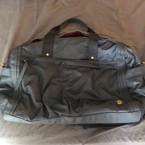 LIKE NEW lululemon duffel bag. Offers welcome